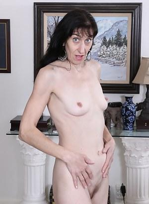 Huge nude ladies