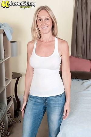Moms Jeans Porn Pictures