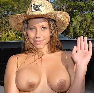 nude wife huge breast