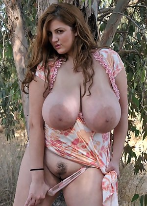 Nice hot naked mom big boob