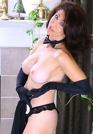 Moms Gloves Porn Pictures