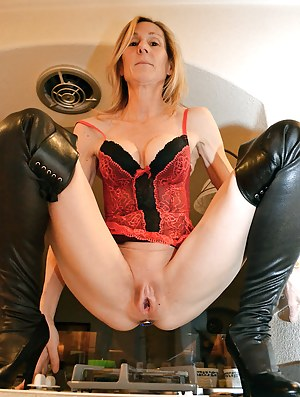 Moms Open Pussy Porn Pictures