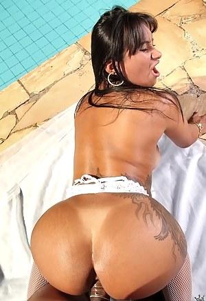 Big booty moms nude phrase apologise