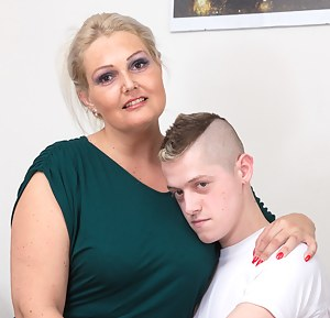 Mom and Boy Porn Pictures