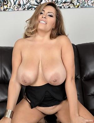 Sauna bath girl naked ass