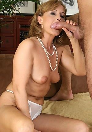 Moms Blowjob Porn Pictures