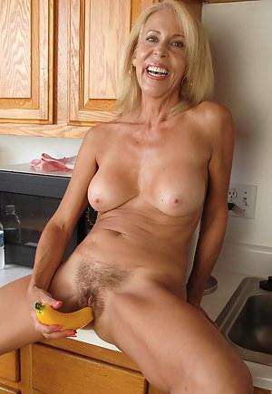 Milf nude galleries