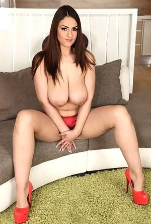 Big Boobs Moms Porn Pictures