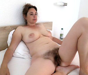 Gallery hairy mom Why Women