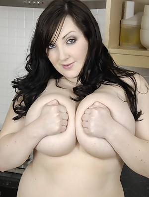 Free chubby moms pic gallery criticism