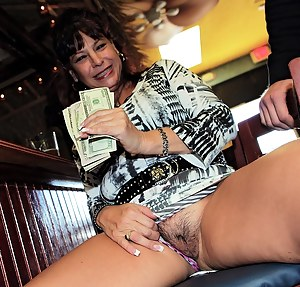 Moms Money Porn Pictures