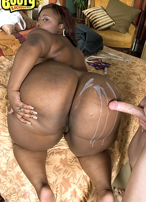 Big nude black mom that