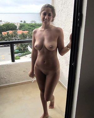 Amateur mom nude